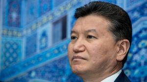 FIDE Declara a Demissão de Ilyumzhinov's, o Presidente Desmente's Thumbnail