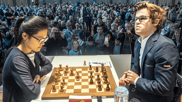 Hou Yifan Pressiona Carlsen, Mantem a Liderança no Grenke