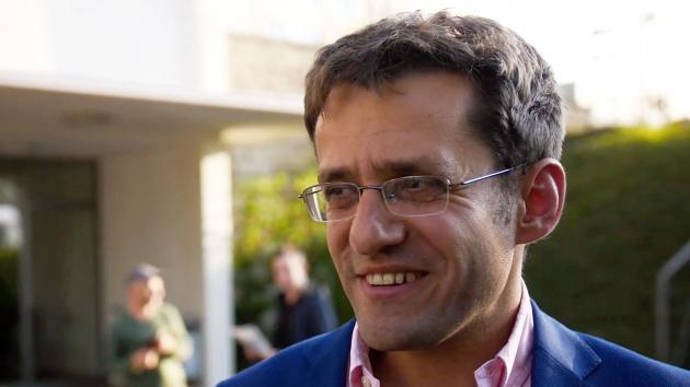 Aronian steht eine Runde vor Ende als Sieger der Grenke Open fest