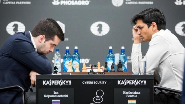 Гран-при в Москве: Харикришна в драматичной борьбе обыгрывает Непомнящего