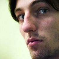 Grischuk takes sole lead in Baku