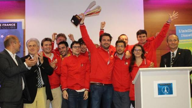 MVL aide Clichy à remporter son 15ème titre de champion