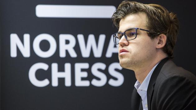 Carlsen Joga em Grande na Blitz de Abertura da Noruega