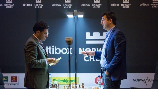 Kramnik Derrota Anand, Junta-se a Nakamura no Topo do Norway Chess