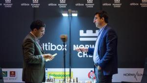 Kramnik pokonuje Ananda i dołącza do Nakamury w Norway Chess's miniatury
