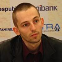 Grischuk regains lead in Baku