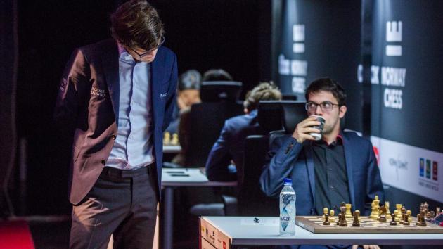 Карлсен и Вашье-Лаграв одерживают первые победы на Norway Chess