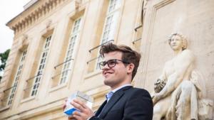 Carlsen besiegt MVL in den Playoffs und gewinnt das Grand Chess Tour Event in Paris's Thumbnail