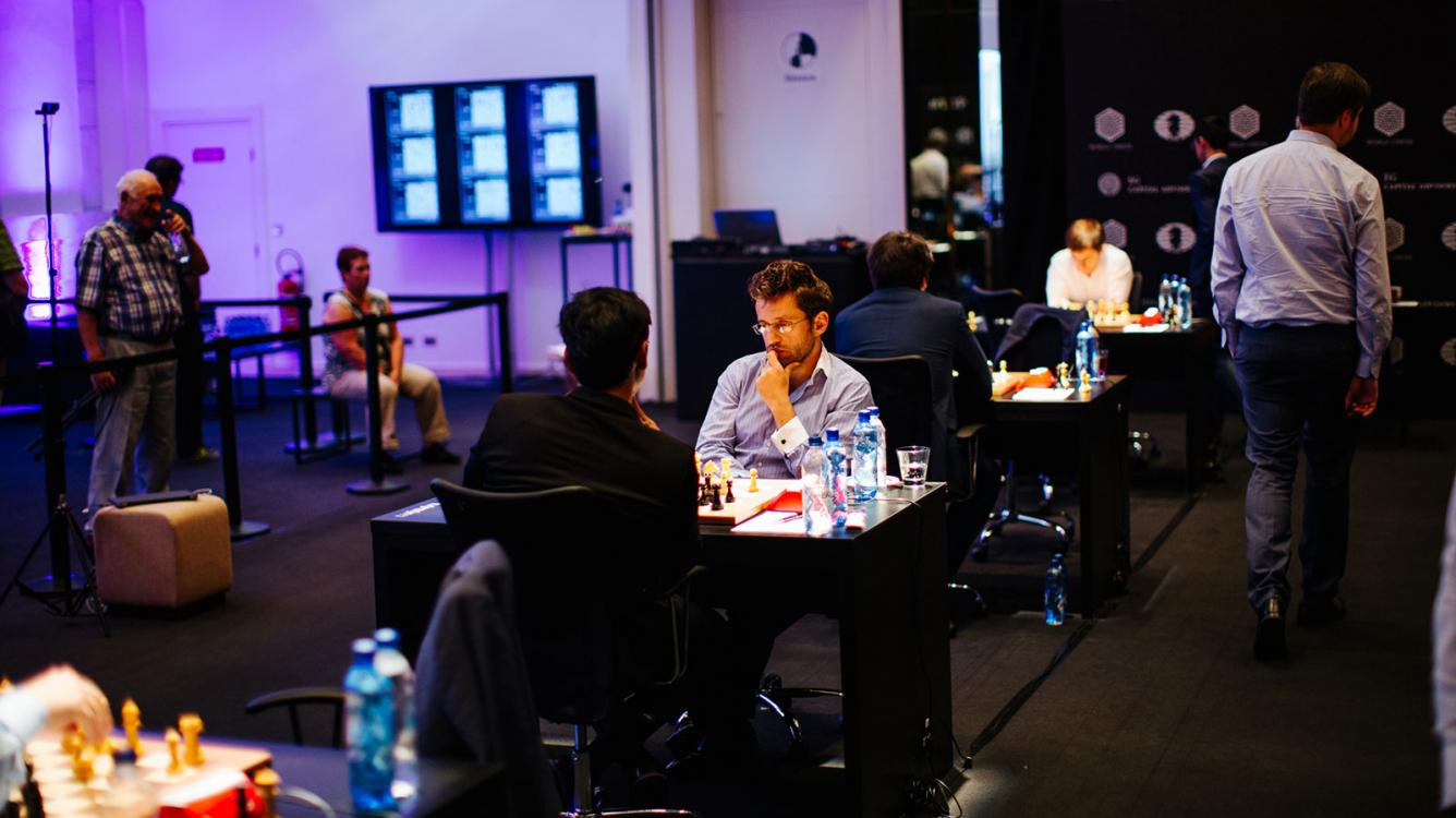 Harikrishna Crushes Aronian With Beautiful Knight Maneuver