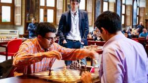 Czy Anand w partii z Kramnikiem dorobił skoczka niezgodnie z przepisami?'s miniatury