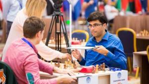 Anand zaczyna drugą rundę od porażki białymi's miniatury