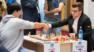 Ein brillianter Bu besiegt Carlsen beim Weltcup's Thumbnail