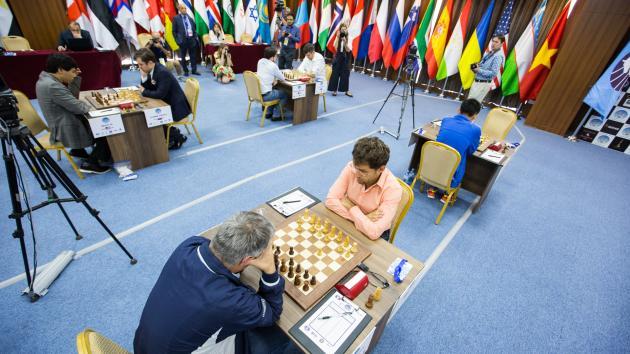 Аронян легко побеждает в первой партии четвертьфинала