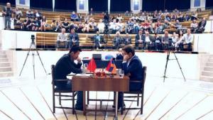 Aronian nie daje rady przełamać Dinga w pierwszej partii finału Pucharu Świata's miniatury