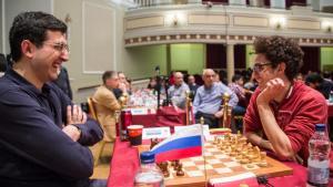 Fotos miniaturas de A Sorte do Sorteio Resulta Em Uma Vitória Para Caruana Sobre Kramnik