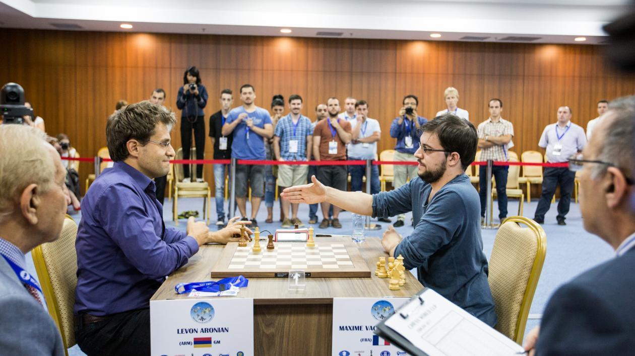 Aronian, Ding Na Final, Candidatos Enquanto Damas Batem Torres
