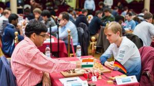 Fotos miniaturas de Carlsen, Nakamura Continuam Perfeitos Enquanto IMs Alemães Empatam Com Anand e Caruana