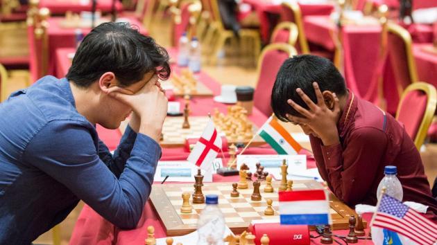 Carlsen i delt ledelse etter femte runde av Isle of Man