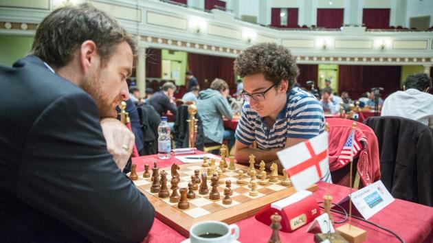 Isle of Man mot spennende sluttspurt - Magnus Carlsen ennå i tet