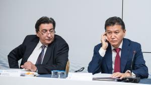 El comité ejecutivo pide a Ilyumzhínov que no se presente a la presidencia