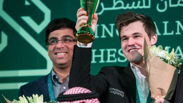 Carlsen Magnífico no Dia Final, Vence Mundial de Blitz