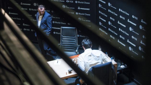 На Турнире претендентов Крамник проигрывает Мамедъярову, а Аронян - Уэсли Со