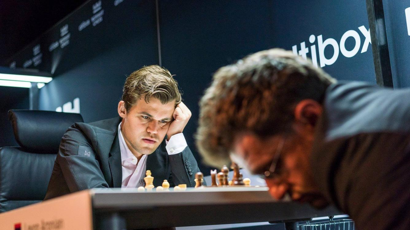 Карлсен побеждает Ароняна, увеличивая отрыв в Норвегии