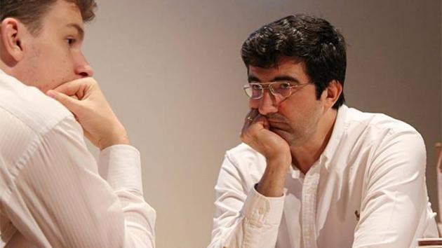 Kramnik pokazuje Dudzie, kto tu rządzi - runda 4 w Dortmundzie