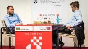 Biel, Runde 9: Mamedyarov besiegt Carlsen und gewinnt das Bieler Schachfestival