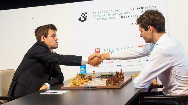 Biel, Runde 10: Carlsen sichert sich den zweiten Platz