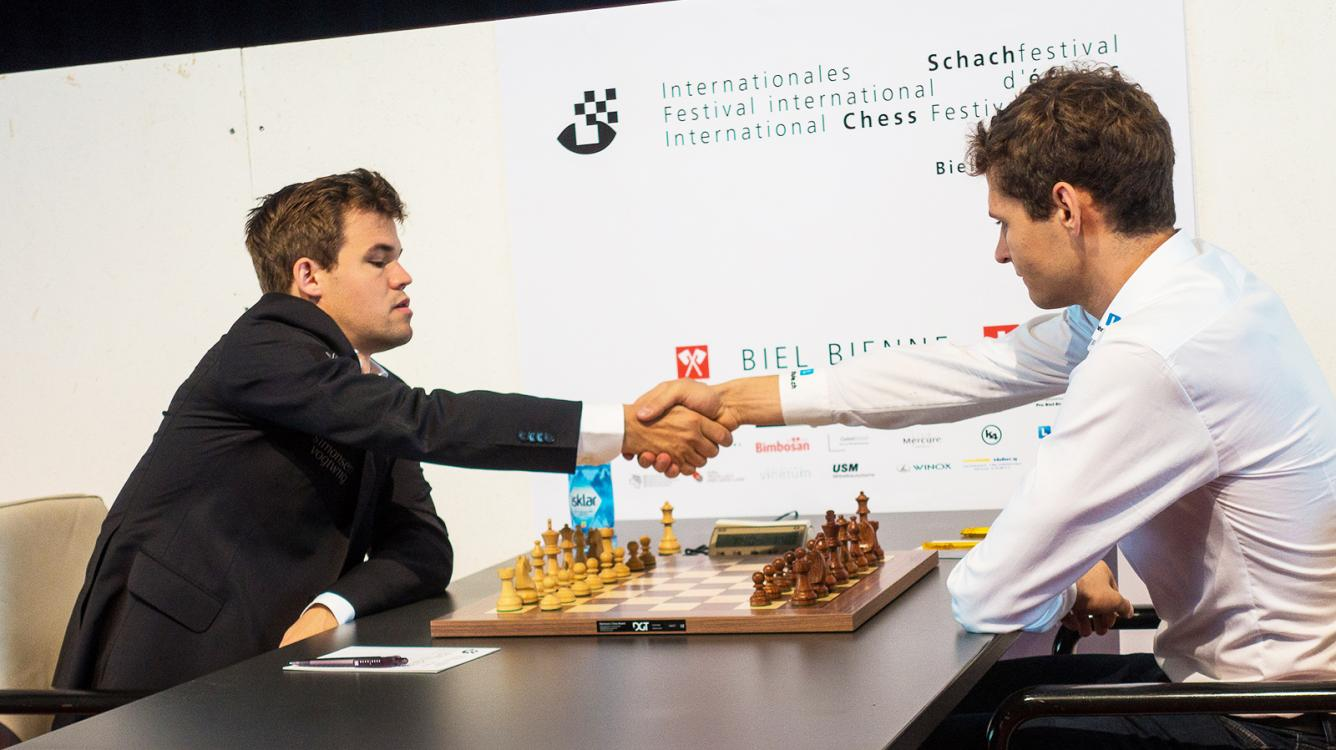 Мамедъяров занимает первое место в Биле; Карлсен второй