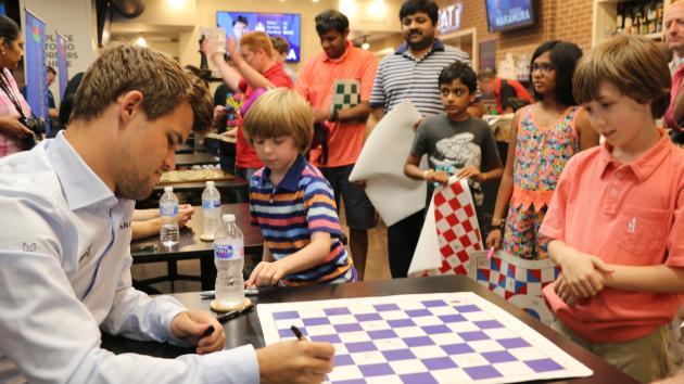 Carlsen Arrives As Sinquefield Cup Begins