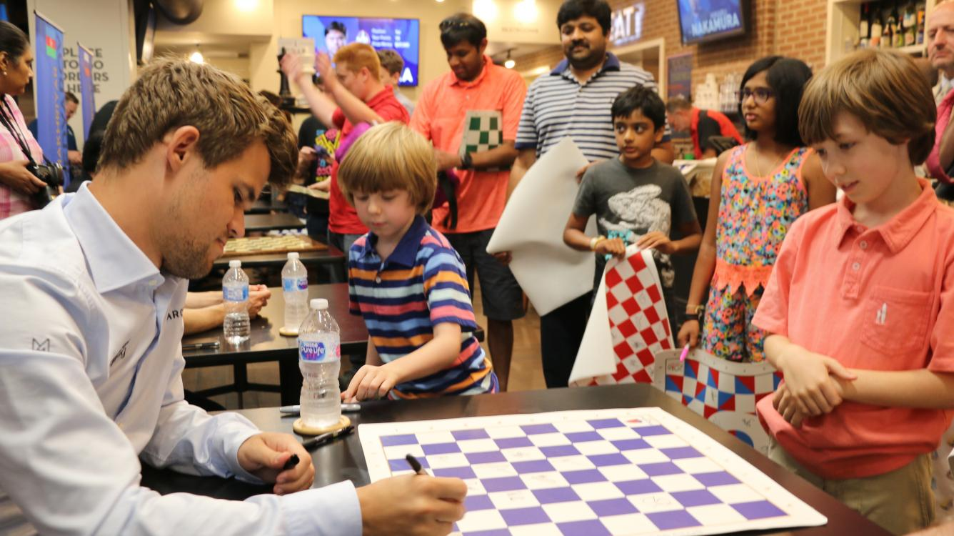Carlsen Arrives As Sinquefield Cup Begins