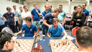 European Chess Club Cup: Carlsen Escapes, Valerenga Sole Leader