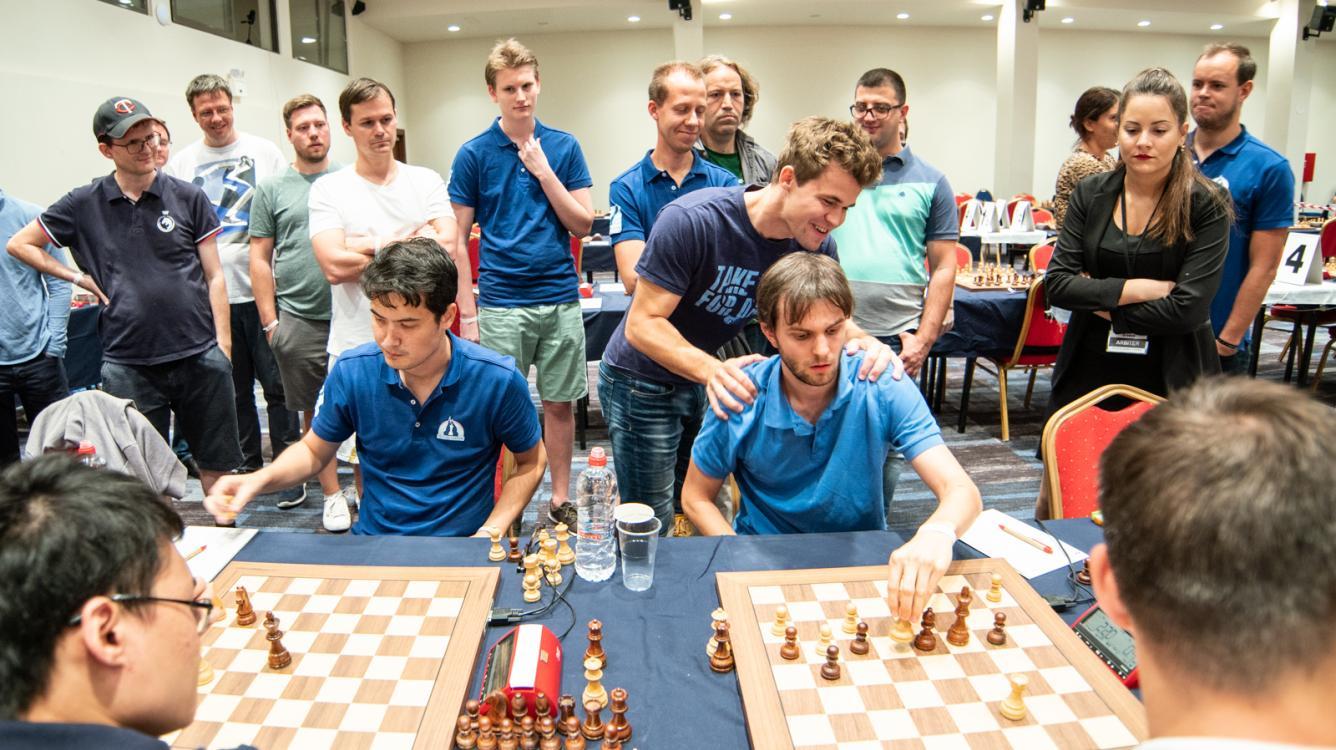 Клубный кубок Европы: Карлсен спасается, а его команда лидирует