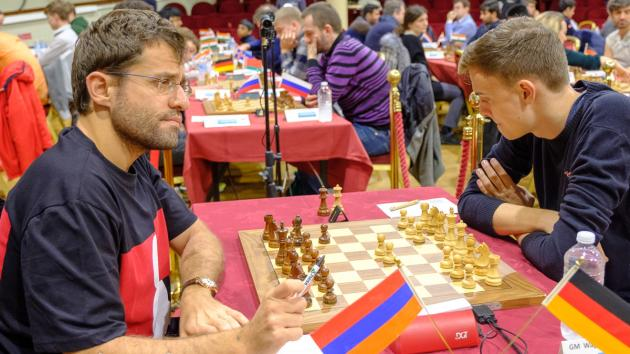 Chess Com Isle Of Man Aronian Bluffs While Vidit Sacrifices Queen Again