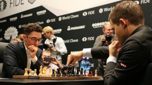 Dünya Satranç Şampiyonası 1. Tur: Caruana Çırpındı Ancak Carlsen'e Karşı Berabere Elde Edebildi