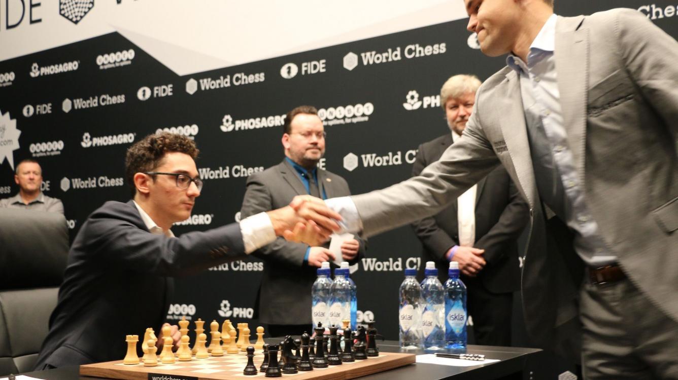 Campeonato del Mundo de Ajedrez R3 | Carlsen y Caruana se mantienen firmes