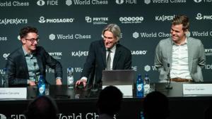 Schach-WM, Runde 8: Carlsen entkommt Caruana erneut