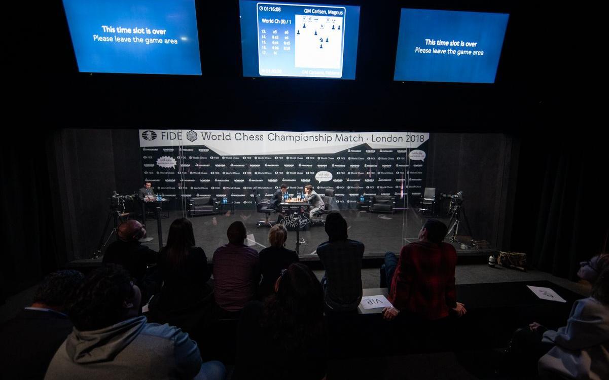 Campeonato del Mundo de Ajedrez R8 | Carlsen escapa de nuevo