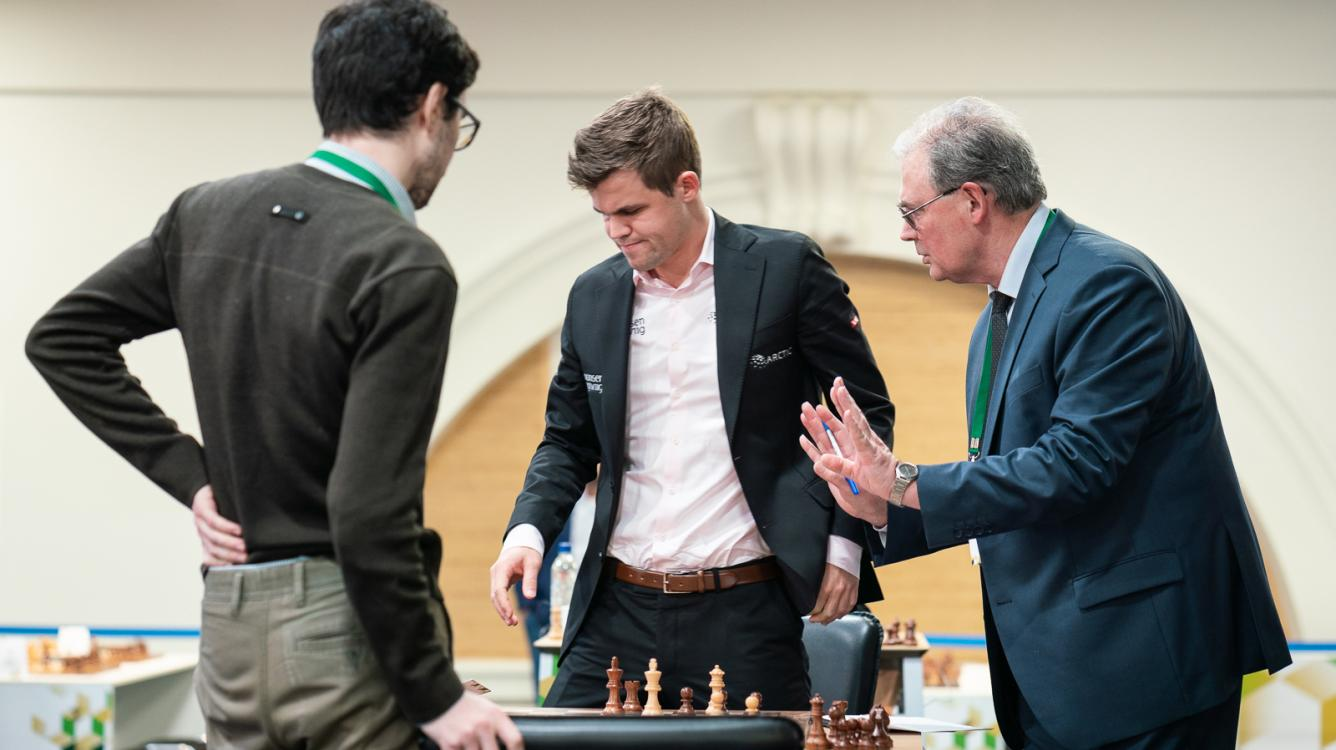 Carlsen Loses 2 Games At World Rapid Chess Championship Day 1