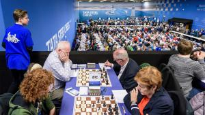 Anand, Carlsen Lead Tata Steel Chess After Great Wins