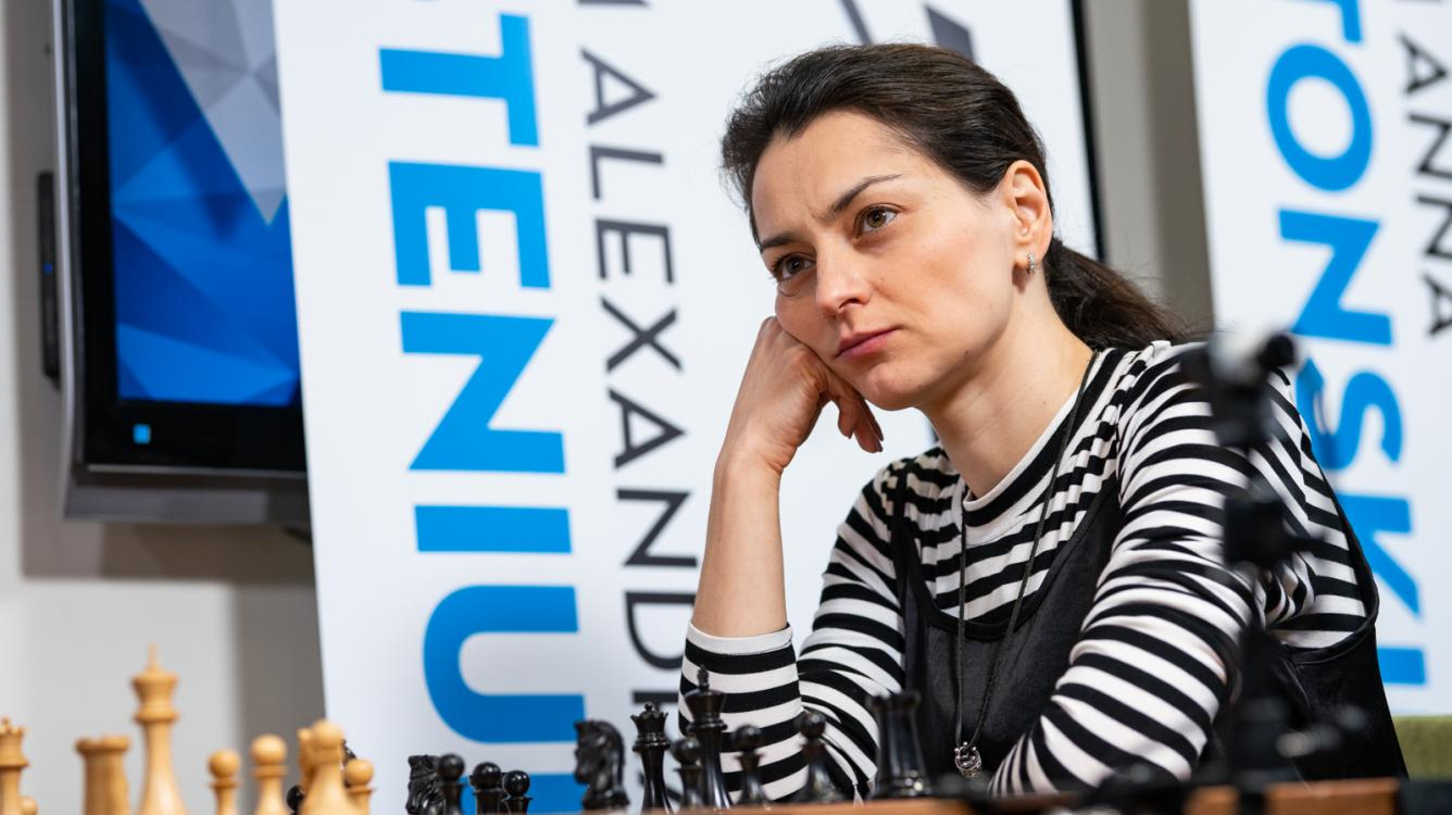 Cairns Cup: Kosteniuk Leads, Gunina Shines