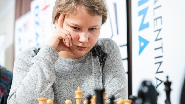 Gunina Maintains Lead, Clash With Kosteniuk To Decide Cairns Cup
