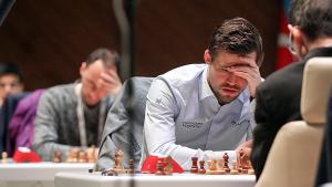 Gashimov Memorial: Carlsen Takes Sole Lead, Anand Scores 'Lucky' Win
