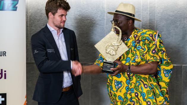 Carlsen spielt erstmals in Afrika und siegt auf der ganzen Linie