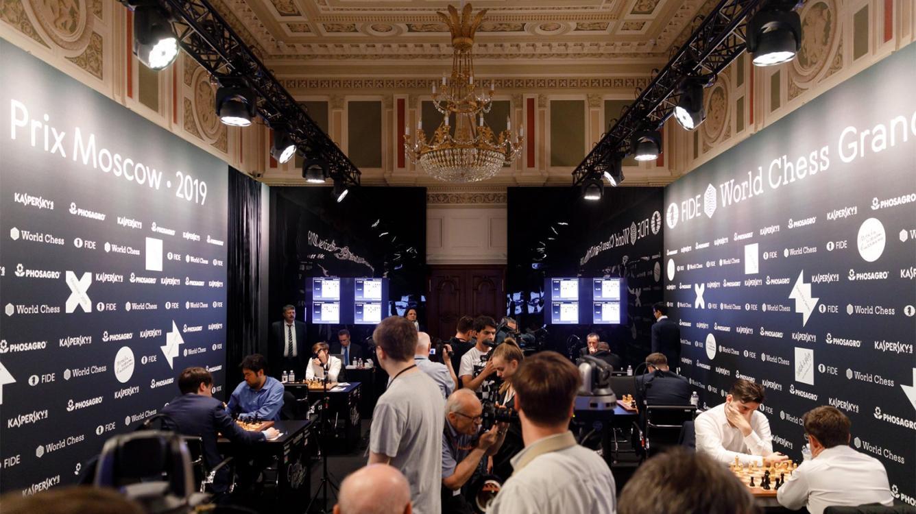 Duda, Nepomniachtchi, Wojtaszek Start With Wins At FIDE Grand Prix Moscow