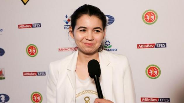 Александра Горячкина занимает первое место в турнире претенденток