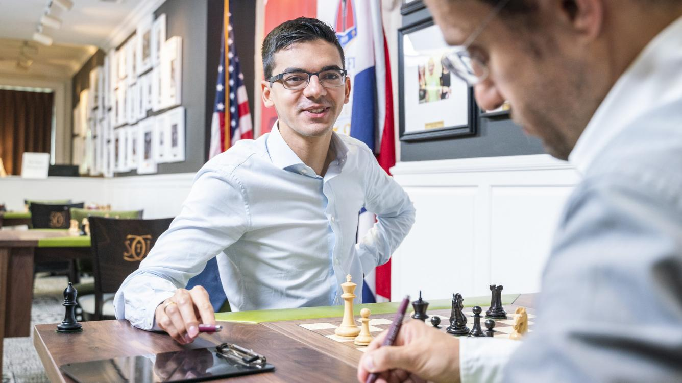 Anand Still Leads With Draws Galore At Sinquefield Cup