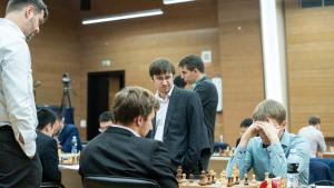 FIDE Chess World Cup: Karjakin, Harikrishna In Trouble